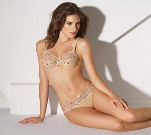 lingerie-de-l-ete-barbara-modele-epanouie-couleur-peau-6757148gnnby