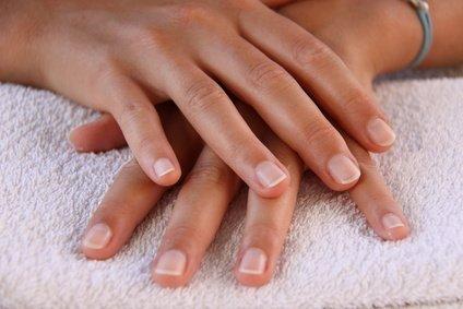 Entretenez vos ongles naturellement !