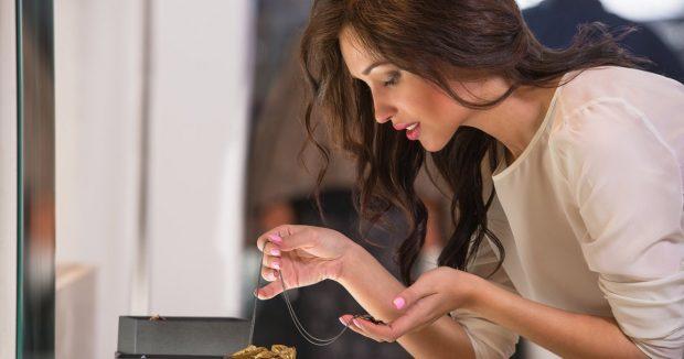 Les bijoux, un accessoire de mode incontournable pour les femmes