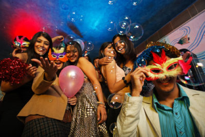 Invité à une soirée déguisée : quel déguisement choisir ?