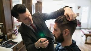 Homme: entretien des cheveux longs