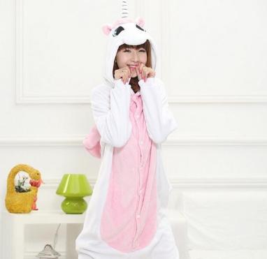 Combinaison pyjama licorne : le phénomène du kigurumi