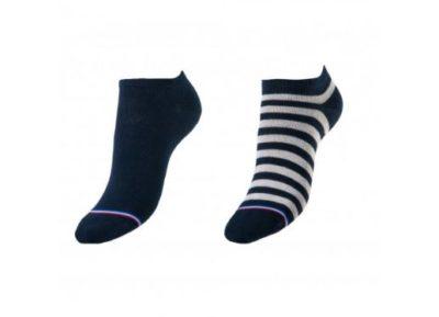 Les chaussettes en coton, le style simple et le confort en prime