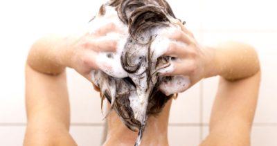 Est-il nécessaire de laver ses cheveux tous les jours?